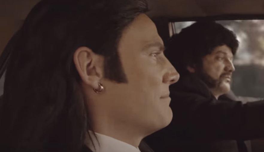 Bödőcs Tibor a Ponyvaregény ikonikus jelenetével alázza a magyar politikát – videó