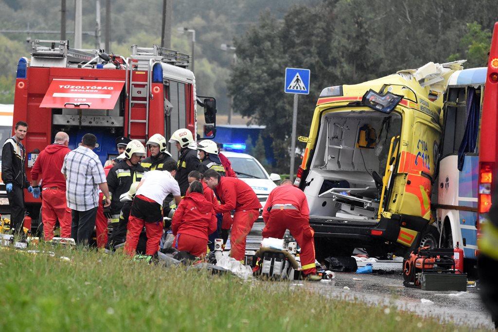 Ketten meghaltak egy balesetben Szolnokon (MTI Fotó: Mészáros János)