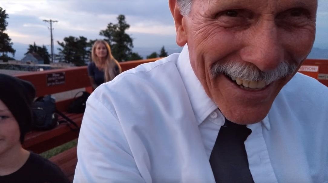 Egy vicces tévedés miatt ez most a legbájosabb lánykérős videó az interneten