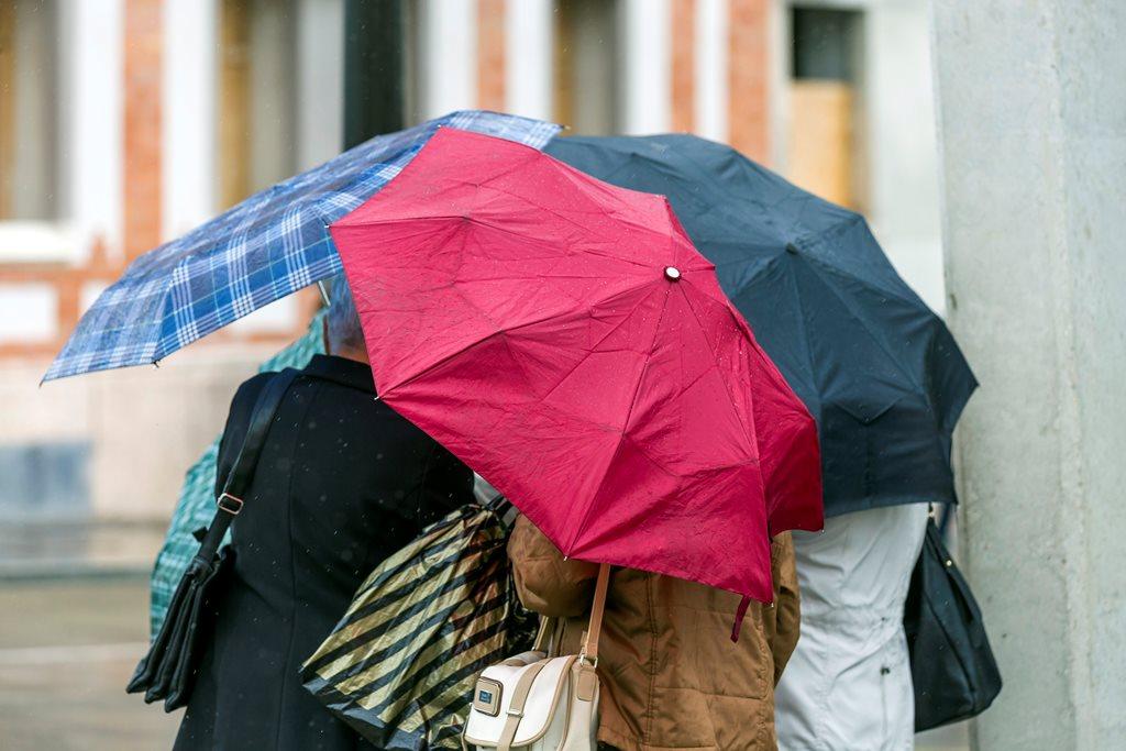 Eső Budapesten ( MTI Fotó: Mohai Balázs)
