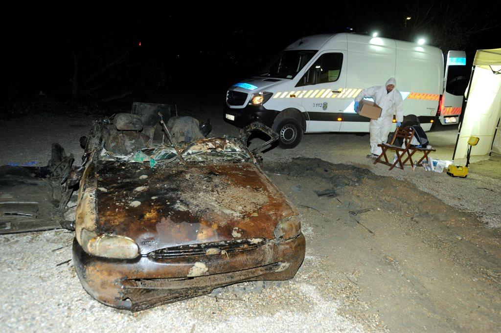 Autóroncsot találtak a Dunában Dunakeszinél (MTI Fotó: Mihádák Zoltán)